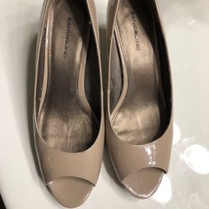 Bandolino Shoes - Size 10 bandolinos- look brand new